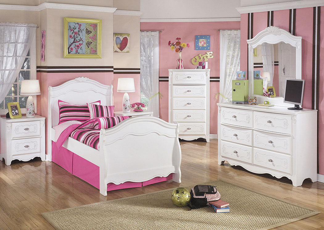 Exquisite Full Sleigh Bed, Dresser, Mirror, Chest & Night Stand,Signature Design by Ashley