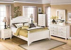 Cottage Retreat Queen Poster Bed, Dresser & Mirror